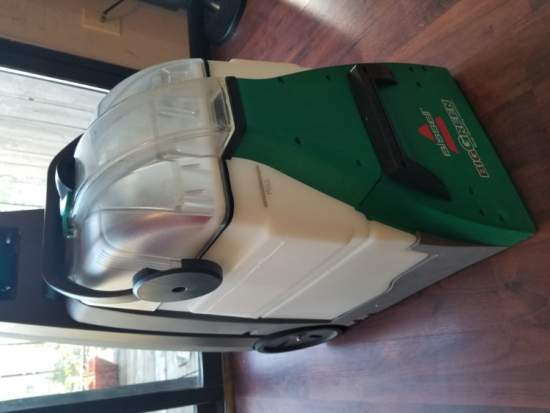 Bissell Big green Wet Carpet Cleaner(like new)